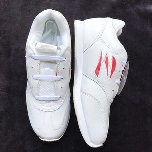 78977ed09257 NWOB zephz cheer shoes white size 7.5  NWT